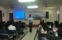 Mr.SudarshanNSIC_Interacting_with_MBA_students